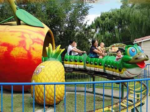 Аттракцион Гусеница и фрукты для детей