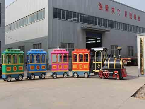 Аттракцион паровозик безрельсовый для многих мест