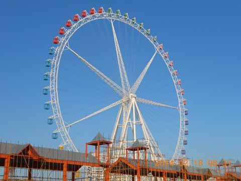 высокий и большой колесо обозрения