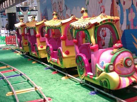 развлекательный аттракцион паровозик для детей