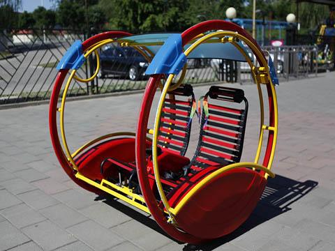 Чудесный и интересный аттракцион весёлое кресло